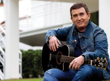 Amado Batista testa positivo para Covid-19; cantor não apresenta sintomas