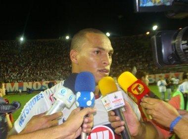 Titi destaca pressão gremista em derrota no Pituaçu