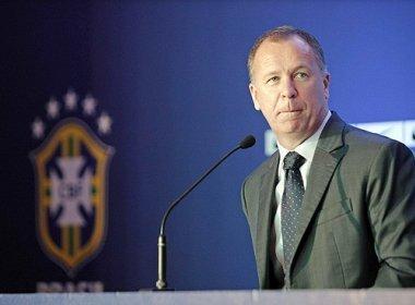 Mano Menezes dá indícios de que Ronaldinho Gaúcho estará fora da Olimpíada