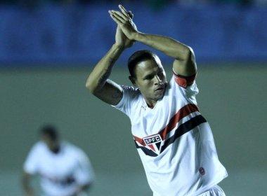 Luis Fabiano comemora vaga na Copa do Brasil e ironiza: 'Não sei onde existe crise'