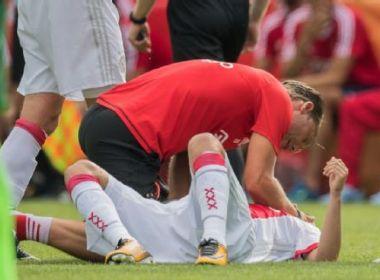 Após um ano em coma, jovem do Ajax acorda e se comunica com família