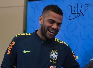 Daniel Alves diz ter interesse em encerrar carreira no Boca Juniors