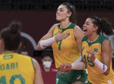 Brasil supera corte de Tandara, atropela Coreia e vai brigar pelo ouro no vôlei feminino