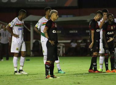 Bahia Notícias   Esportes   E.C. Vitória   Neilton rebate vaias da torcida após  eliminação na Copa do Nordeste - 24 05 2018 6371e29d4f482
