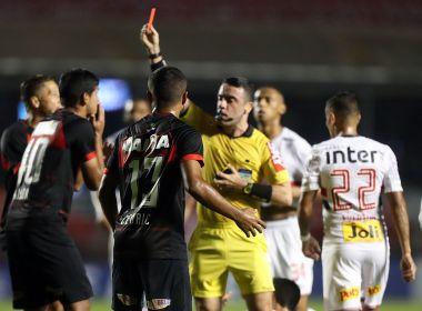 Vitória vai entrar com representação contra árbitro Igor Benevenuto