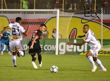 Vitória perde para o São Paulo e segue no Z-4 do Brasileirão