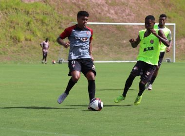 Bahia Notícias   Esportes   E.C. Vitória   Em treino coletivo do ... acc42fcb86b83