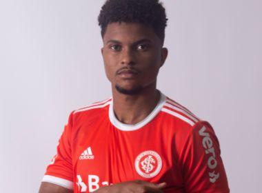 Internacional anuncia zagueiro Lucas Ribeiro, ex-Vitória, como reforço até 2021