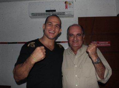 Vitória parabeniza Júnior Cigano pelo título