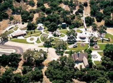 Neverland, famoso rancho do músico Michael Jackson, é vendido por R$ 103 milhões