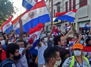PROTESTO NO PARAGUAI PEDEM SAÍDA DE PRESIDENTE POR MÁ GESTÃO DA COVID
