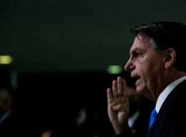 Bolsonaro diz que vai 'sair na porrada' com senador 'bosta' que pediu CPI da Covid