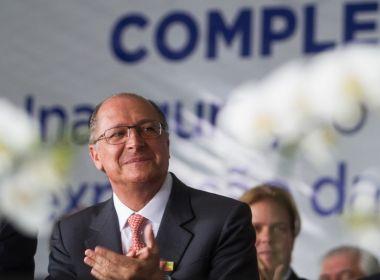 'Eleitor está junto com Bolsonaro porque está com medo do PT', diz Alckmin