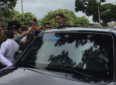 Sob forte esquema de segurança, Bolsonaro vota no Rio