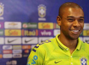 Fernandinho é alvo de ofensas racistas na web após eliminação do Brasil