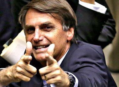 Bolsonaro prevê assinar nesta terça-feira decreto que flexibiliza posse de armas