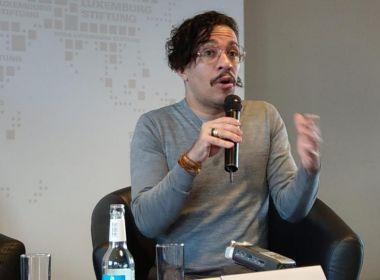 Jean Wyllys é alvo de ovada durante palestra em universidade de Portugal