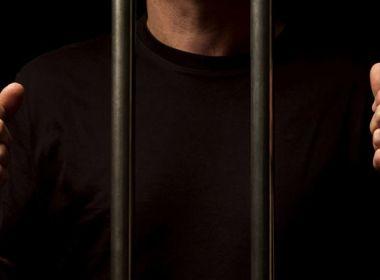 Proposta que amplia pena máxima de prisão de 30 para 40 anos avança na Câmara