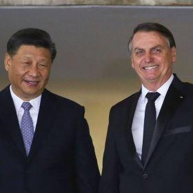 Em reunião fechada, Bolsonaro se retrata por críticas à China