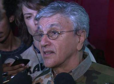 Presidente da Biblioteca Nacional associa Caetano Veloso ao analfabetismo