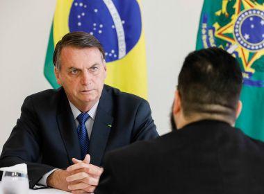 Bolsonaro diz que não cederá a lobby e ameaça demitir quem falar em taxar energia solar