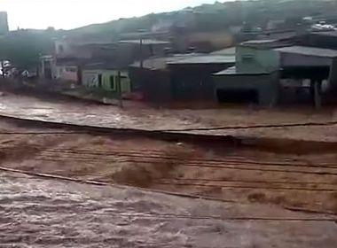 Com chuvas perto do triplo da média, MG tem 53 mortos em cinco dias