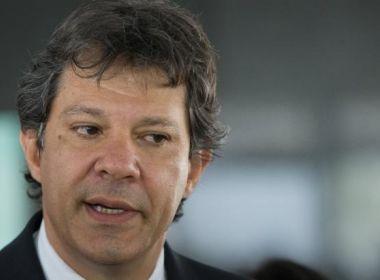 Em debate paralelo, Haddad vai contracenar com imagens de Lula