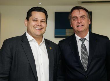 Alcolumbre se reúne com Bolsonaro e critica ataque de ministro ao Congresso