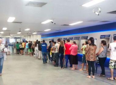 Filas e falta de papel-moeda levam Caixa a limitar saque e digitalizar auxílio de R$ 600