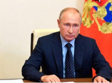 Um dia após anúncio de vacina, Rússia altera dados sobre testes em base internacional