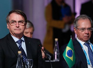 Bolsonaro cobra de Guedes controle menos rígido dos gastos públicos