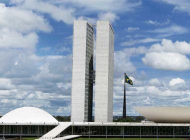 Congresso reage a Bolsonaro e articula criação de programa de renda mínima