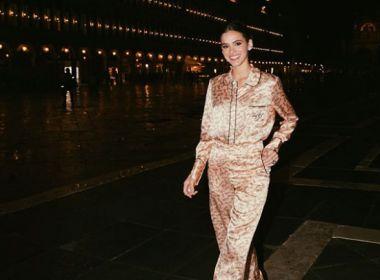 Em Veneza, Bruna Marquezine diz amar pessoa que 'criou a moda de sair de pijama'