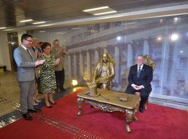 TJ-BA gasta mais de meio milhão de reais em escultura em homenagem a Ruy Barbosa