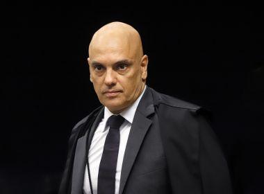 Bolsonaro não pode desistir de prestar depoimento à PF, decide Moraes