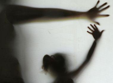 Câmara aprova alteração na Lei Maria da Penha que permite afastar agressor da vítima