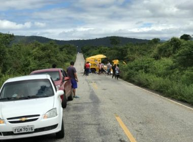 Jacobina: Carro-forte é destruído por quadrilha na BA-131