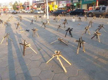 Feira: Ato pela paz espalha cruzes em centro da cidade e pede redução de violência