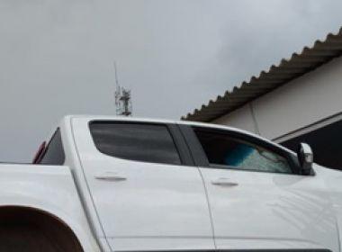 LEM: Motorista 'alcoolizado' perde controle de carro e invade estabelecimento