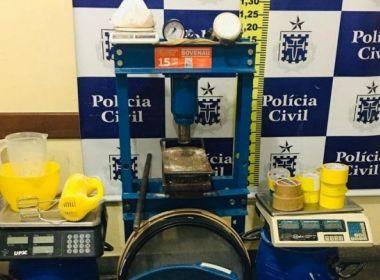 Dois homens são presos e laboratório de refino de drogas é desativado em Feira de Santana