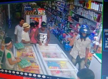 Mascote: Durante assalto em supermercado, criança de 10 anos é baleada na perna