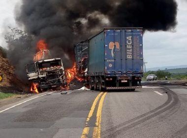 Batida frontal mata motorista e deixa ferido na BR-116 em Irajuba