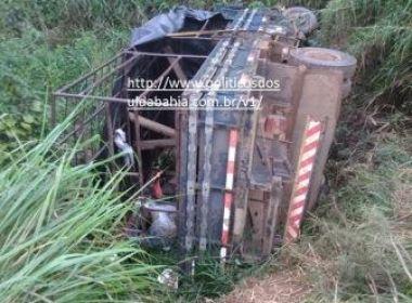 Camamu: Estudantes ficam feridos após caminhonete tombar em estrada