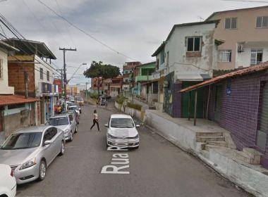 Mulher morre após ser espancada em Lauro de Freitas; companheiro é preso suspeito do crime