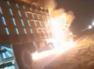 Brumado: Caminhão boiadeiro pega fogo na BA-148