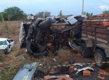 Três pessoas morrem após acidente na BA-120, entre Queimadas e Santaluz