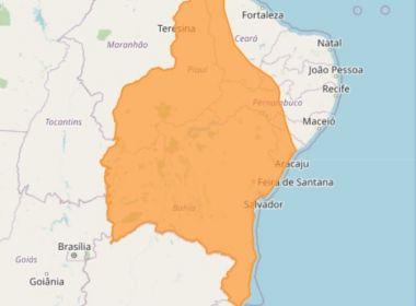 INMET emite 'alerta laranja' para chuvas na Bahia e grande parte do Nordeste