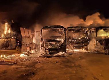 Barra do Choça: Incêndio em pátio da prefeitura destrói 7 ônibus escolares