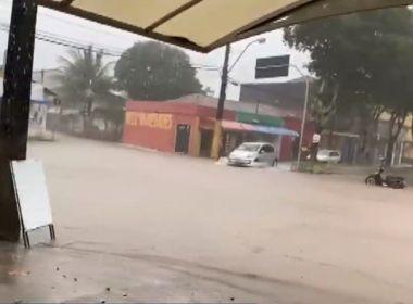 Nova Viçosa: Chuva esperada para 2 meses alaga ruas e causa transtornos