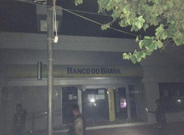 Campo Alegre de Lourdes: Quadrilha 'toca terror' e faz reféns durante ataque a banco